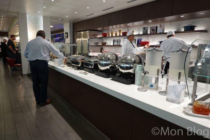 delta-lounge-food