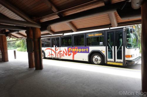 DisneyResortHotel-bus