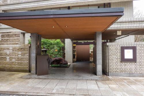 界箱根の正面玄関