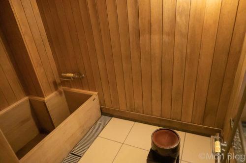 せせらぎ縁台付き和室の内風呂